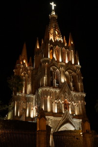 San Miguel de Allende The parroquia at night.